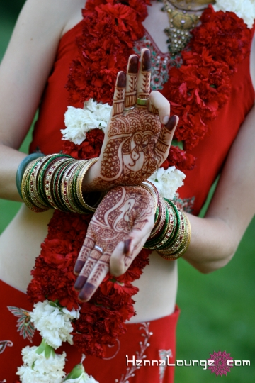 Fusion wedding for a yogini