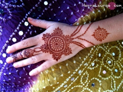 Henna is like jewelry that you leave on!