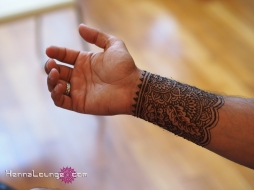 Men enjoy henna too!