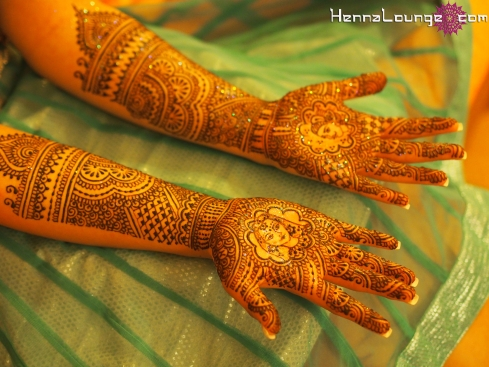 Dulhan mehndi on location in Mexico