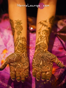 Figures in mehndi