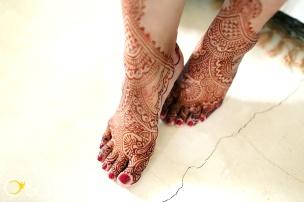 barefoot wedding henna